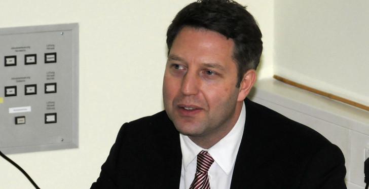 Prof. Dr. J. Volkmann